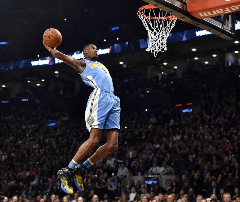 70643e5770a 2000 Oakland Or 2016 Toronto: Which Dunk Contest Was Better?